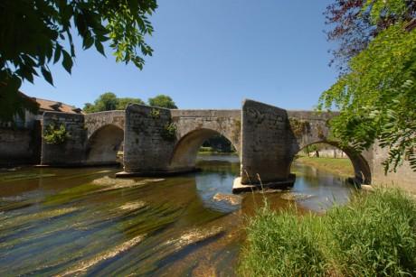 Val-de-Dronne---Pont-de-Bou